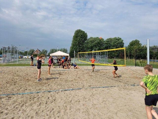 Beach trainingen voor de jeugd met afsluitend toernooi